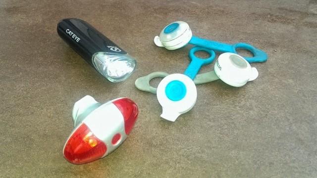 De lampor jag använder i stan. Exempel från Cateye, Silva och Spectra