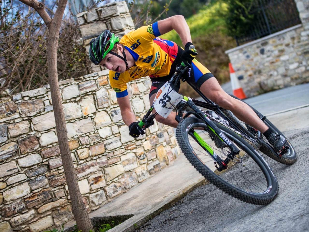 Emil Linde hoppas kunna studsa tillbaka och vara med och fightas på de kommande etapperna. foto: jeppman.com