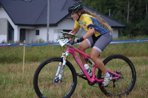 Kan världsmästarinnan i MTBO,. Cecilia Thomasson, utmana tjejerna om segern på Billingen? Foto: Peter Bergström