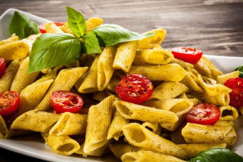 Pasta är en klassisk måltid när du behöver fylla på kolhydratsdepåerna inför en lång dag i sadeln.