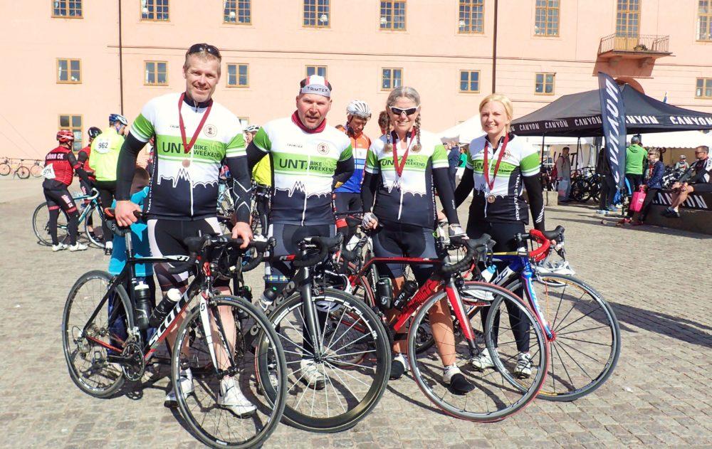 Team Cykelfröken körde 167 km i sina snygga UNT Bike Weekend-kläder.