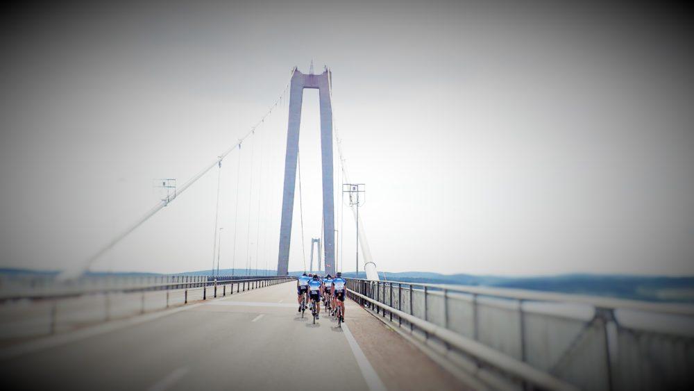 Cykling över Höga Kusten-bron, riktigt häftigt!