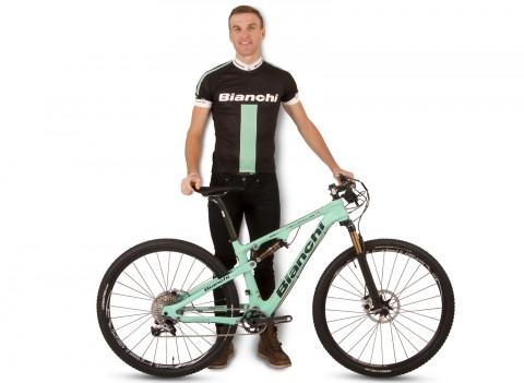 Till nästa säsong kommer vi att få se Matthias Wengelin på en celestegrön Bianchi Methanol FS 29.1