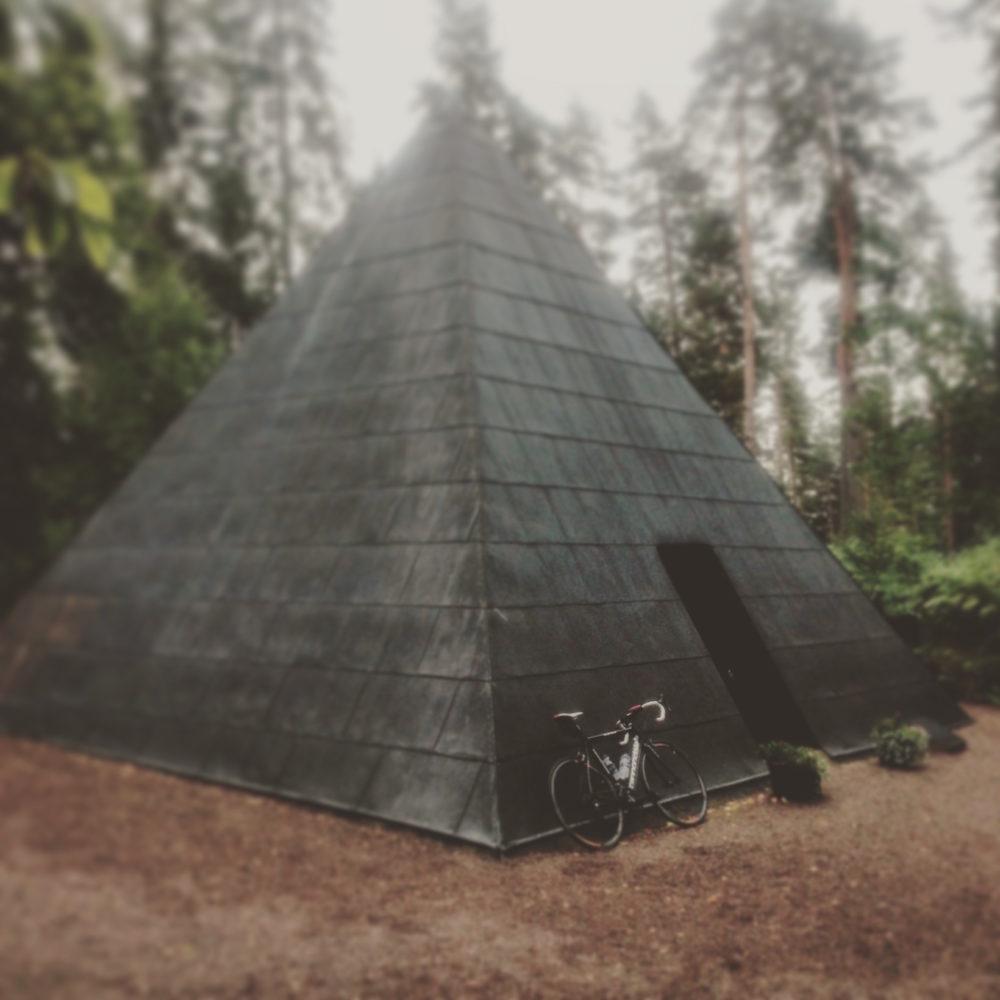 SuperSix vid pyramiden