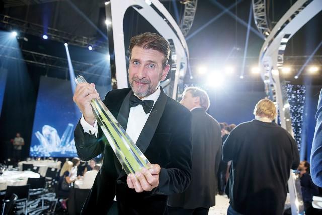 """Ett klart bevis på hur omtyckt Roberto är som kommentator är att han i somras tilldelades Kristallen för """"Årets Sport-TV profi."""". Foto: IBL Bildbyrå"""