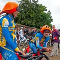 Det är med lite tveksamma minnen vi minns tillbaka på förra OS satsning mellan SCF och POC. Den futuristiska hjälmen skulle ge de svenska cyklisterna en extra fördel i London OS, men resultaten uteblev - huruvida det berodde på hjälmen ska vi låta vara osagt, men en snackis blev det i alla fall.