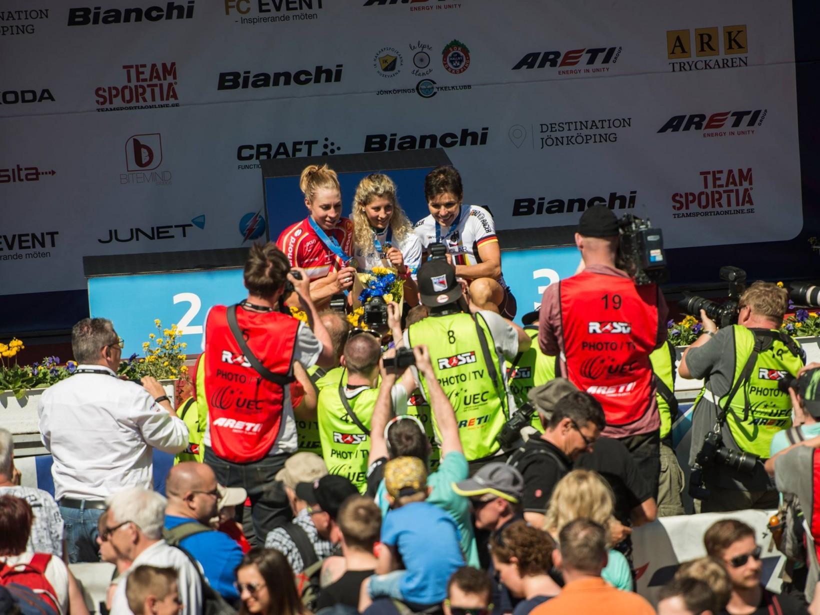 Glada medaljörer. Foto: Jesper Andersson