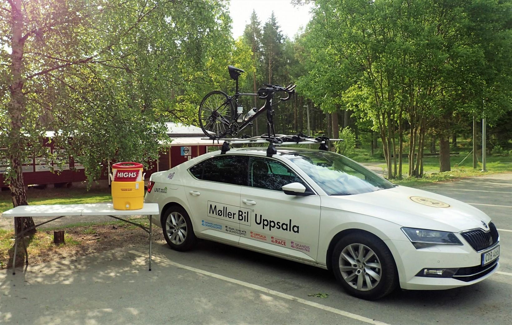 Jag kör UNT Bike Weekends fina bil från Skoda/Möller bil under ett par veckor till några olika motionslopp, och samtidigt passar vi på att bjuda alla cyklister på sportdryck från High5!