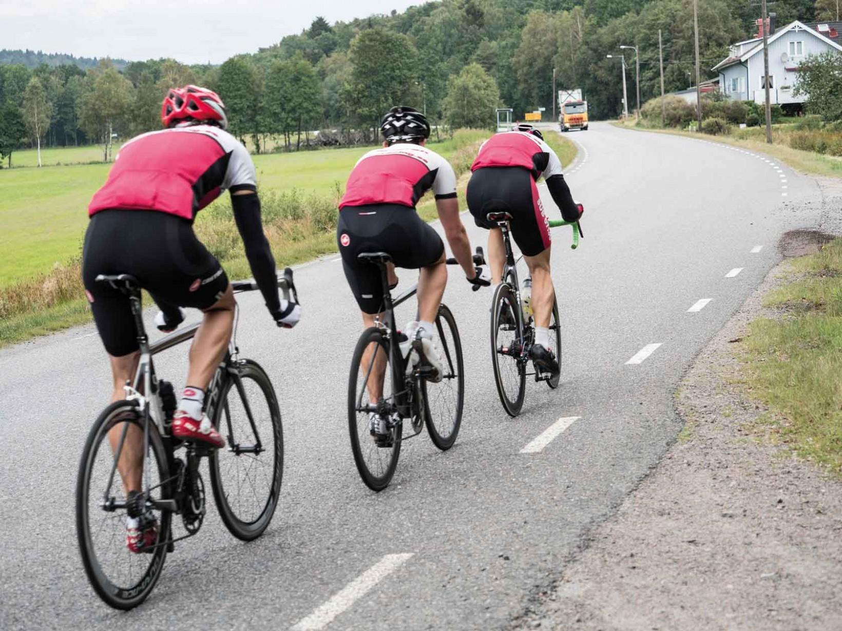 Det går undan när Team X-Racing tränar. Foto: Patrik Clifford