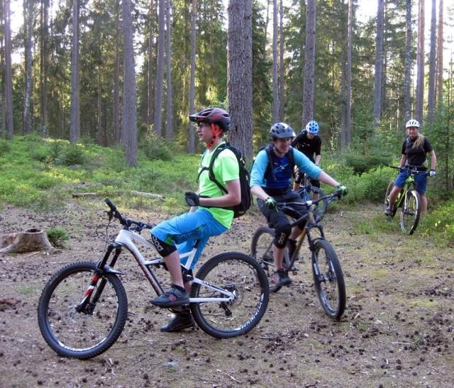 Några stigcyklister i sitt rätta element