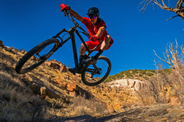 Trek_Fuel-EX-98_275-Plus_full-suspension-midfat-mountain-bike_tabletop-600x400