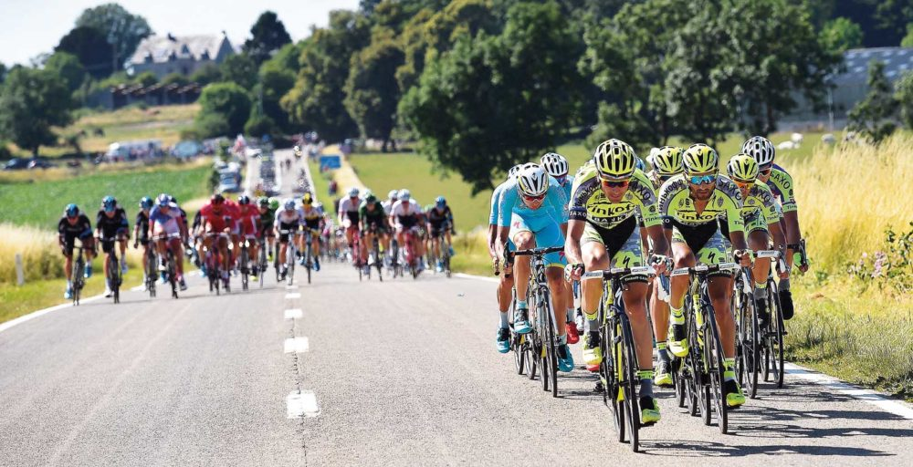 Kantvind kan ställa till det för cyklisterna. Foto: Tim de Waele