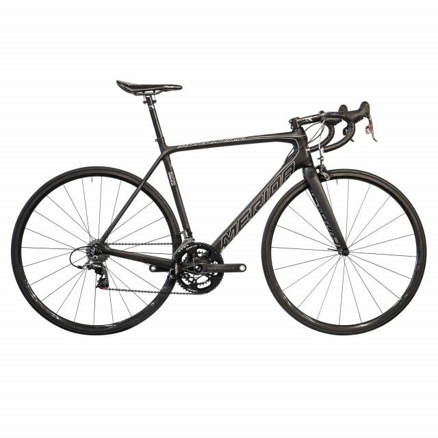 4,55 kilo cyklar gissningsvis nästan av sig själv uppför backarna.